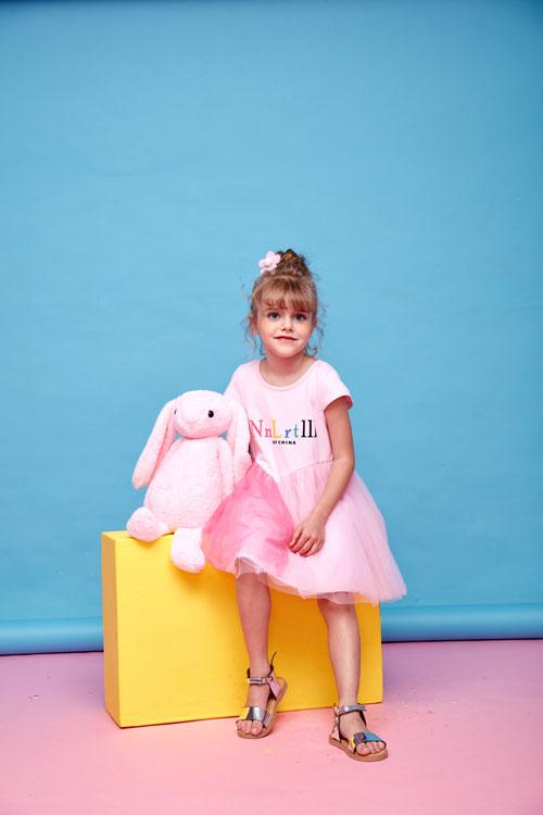 小鲨诺拉女童连衣裙 满足宝宝的公主梦