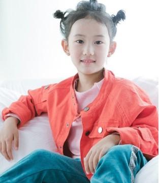 maya's童装品牌 简单的色调穿搭出不同时尚