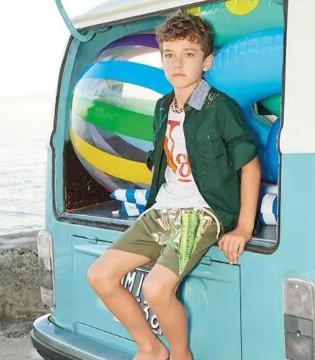 可米芽品牌童装 简约又有个性的服饰