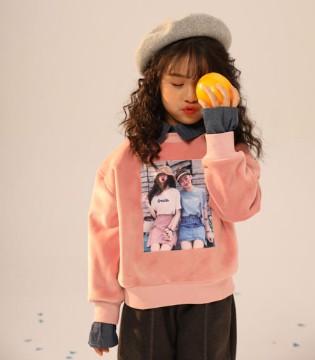 叽叽哇哇品牌时尚卫衣  打造出个性抢眼的小女生