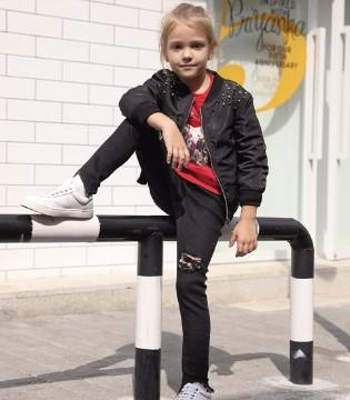 秋季服装够如何穿搭 选择对的服装让孩子成为时尚达人