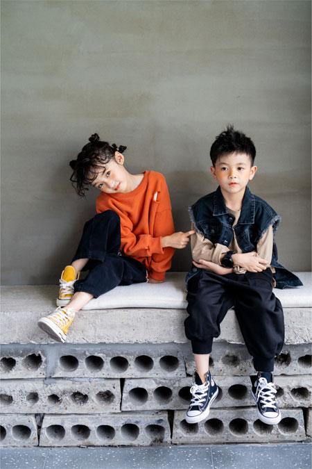 YCYP    竹马青梅  两小无嫌猜   天真灿烂