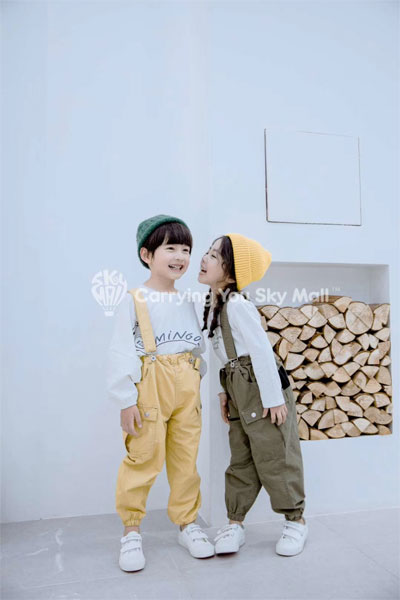 长袖搭配吊带裤  保证让孩子们在开学季也能元气满满