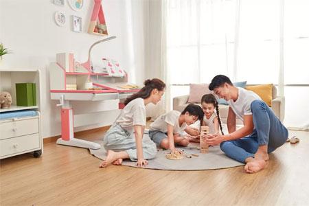 儿童学习桌椅的安全性令人堪忧 行业标准亟待统一升级