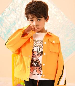叽叽哇哇童装时尚新品 让孩子温暖过秋冬
