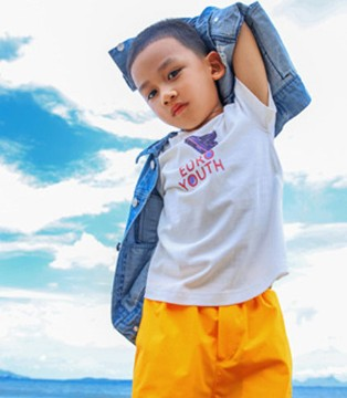 时尚感从小就要培养 恰贝贝潮流童装任你挑