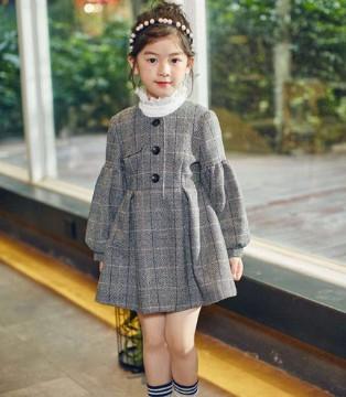 金秋十月也不能忘了连衣裙 该美的时候要美得让人惊艳