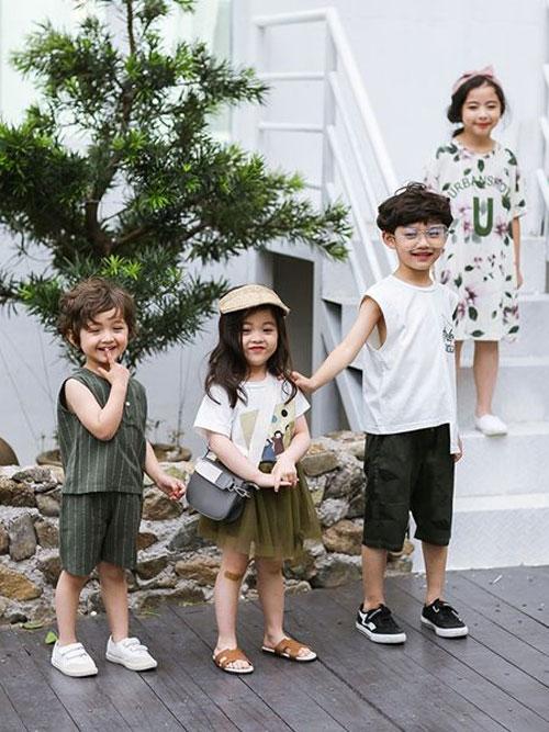 优质童装就选唛咖啦 美丽梦想带回家