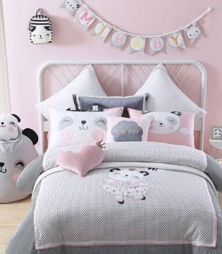 小公主的基地打造 精致小床一定要安排上!