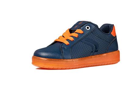 意大利时尚童鞋 不同舒适伴你整个秋冬