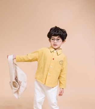 维尼叮当童装用健全、完善的系统面升华品牌形象