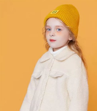 除了羽绒服 冬季别错过这4款时髦外套