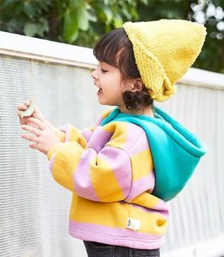 田果果  做一个冬日里给孩子提供温暖的小暖阳