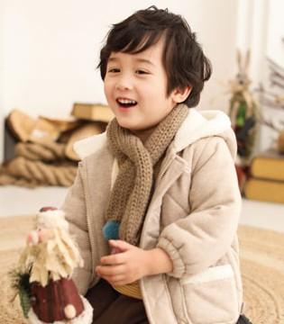 自然舒适的冬日穿搭 棉绘带来高品位的生活享受