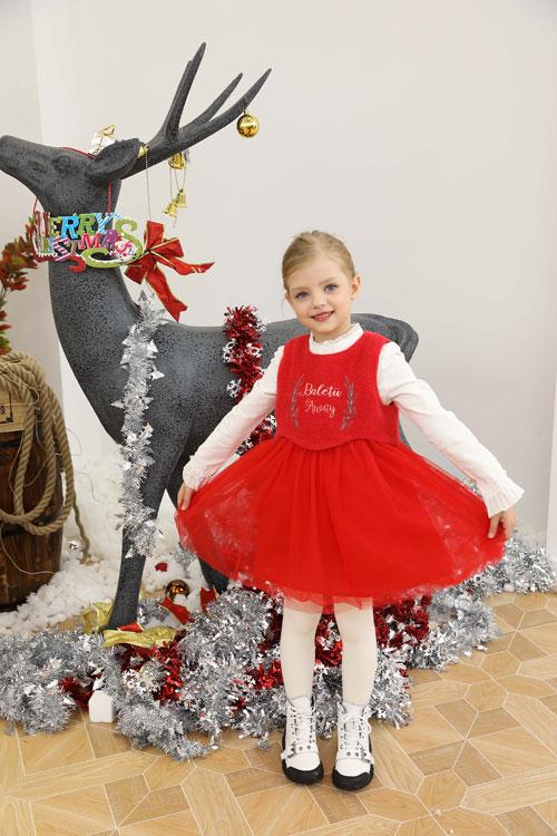 公主装与王子装 芭乐兔带来盛装迎接圣诞