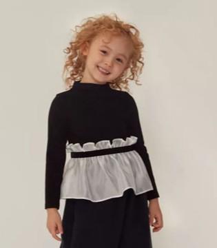 换上黑色和奶白色的礼服 生日宴会马上开始喽!