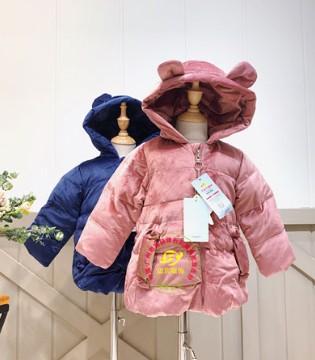 世纪童话童装守护孩子的一整个冬天