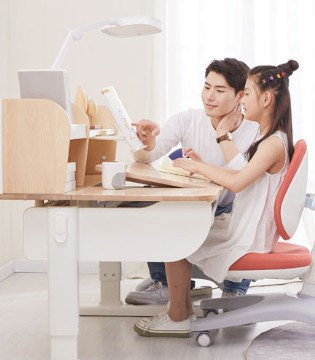 你家的孩子有驼背、近视问题吗?请及早重视学习健康