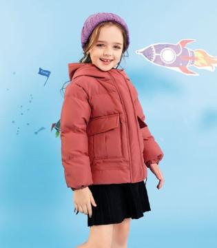 赠你一份时尚攻略 这样的外套好看又保暖