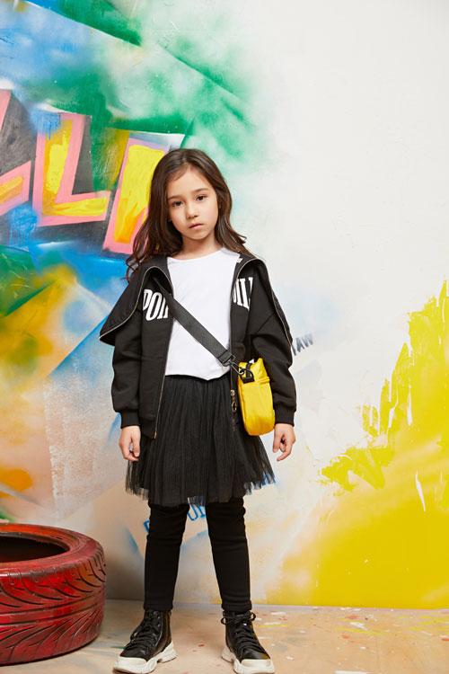 黑色系衣服可以怎么搭?和泡泡噜一起做时尚酷女孩