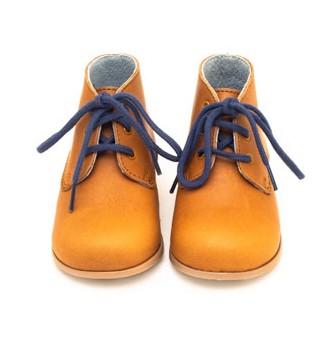 让你忍不住多看几秒的国际童鞋 孩子穿上快乐过新年