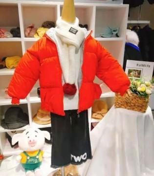 红红火火过新年!当然要穿可米芽童装红衣服啦