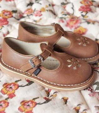 法式经典童鞋履袭来 带你一睹花卉标识文艺!