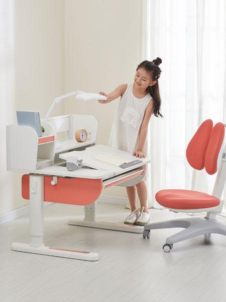 孩子弯腰驼背怎么办?你需要享学椅