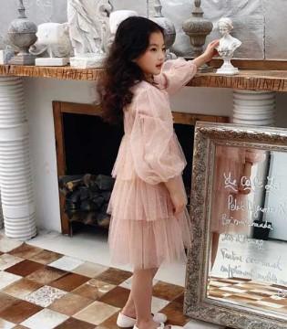 做春季的优雅少女 遇见·七克拉不可错过的3款连衣裙