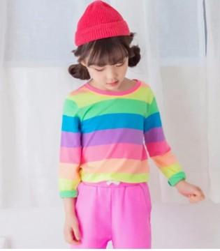 唯心至爱ILOVEJ春上新 亮眼的彩虹条纹T恤