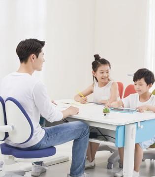 想要给孩子提高学习效率?不妨买款享学学习桌