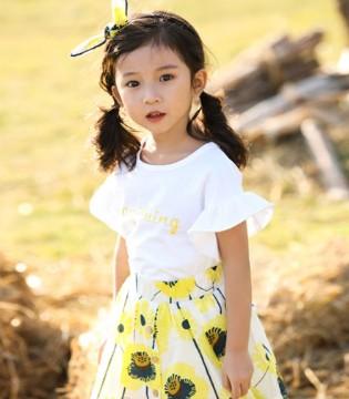 流行的连衣裙 年轻时尚又俏皮可爱