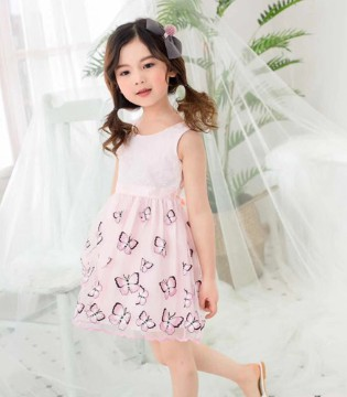 小嗨皮粉色连衣裙 没想到蝴蝶居然火了!