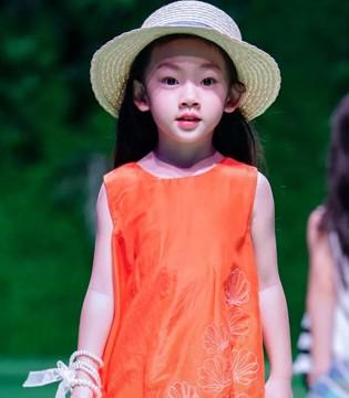 学会夏日时尚搭配 比西瓜空调更消暑哦!