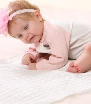 娇气包要穿好 幼儿爬行服该怎么选?