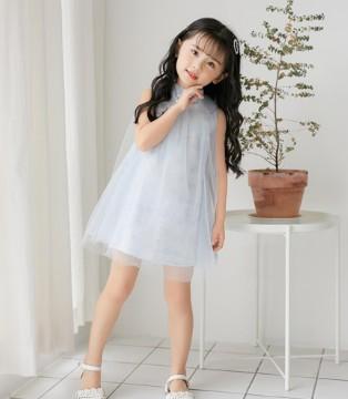 让懂你的拉斐贝贝童装 整理你的衣柜