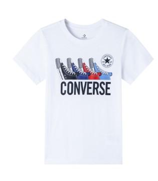 百搭又时髦的T恤 是夏日里少不了的风景线