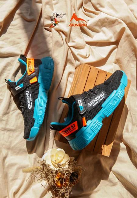 低调而高级的蓝猫童鞋 运动系列上新!