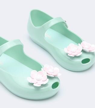 一双度假美鞋 让今夏旅行成为念念不忘的回忆