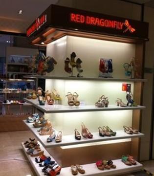 直播销售净亏90万元 红蜻蜓时尚鞋服该如何抉择