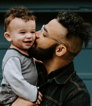 孩子的人格塑造 有两个时期需要父亲注意