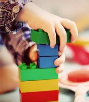 如何利用积木游戏 加强孩子数理逻辑思维