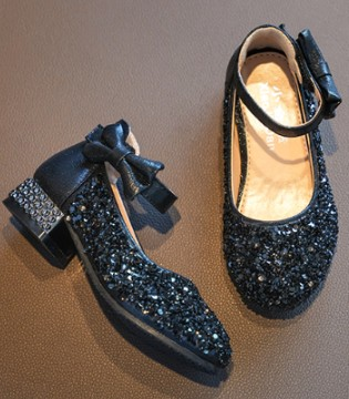 属于你的灰姑娘童鞋 不妨试下合脚不?
