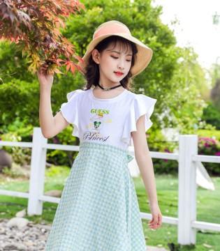 清新雅致的连衣裙 原来仙气是这样穿出来的