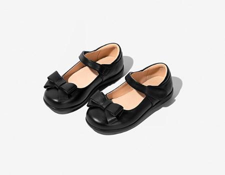 致力于时尚简单、且具故事感的鞋子单品