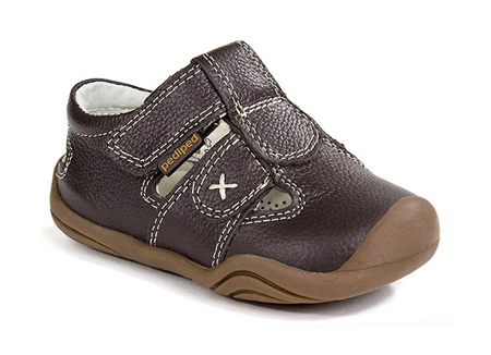 1-3岁的宝宝学步鞋怎么挑?派迪派和你一起守护