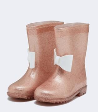 雨天的小快乐 来自可爱的雨鞋陪伴