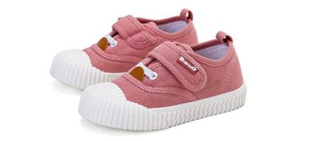 培养孩子正确走姿 巴布豆童鞋陪伴孩子的每一步