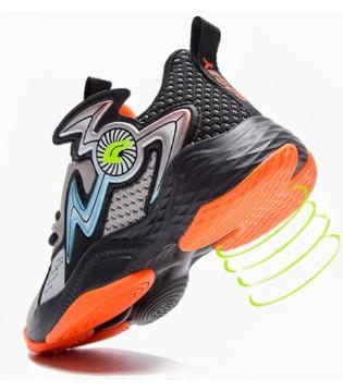 球鞋加持战力 跟着永高人 一起探索篮球世界