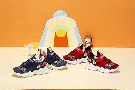 博仕屋秋季童鞋心动来袭 让萌娃肆意跨步前行!